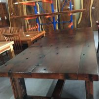 T04 DINING TABLE
