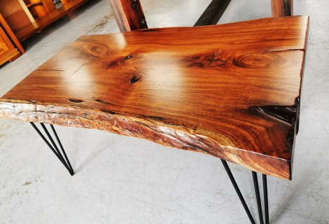C08 COFFEE TABLE