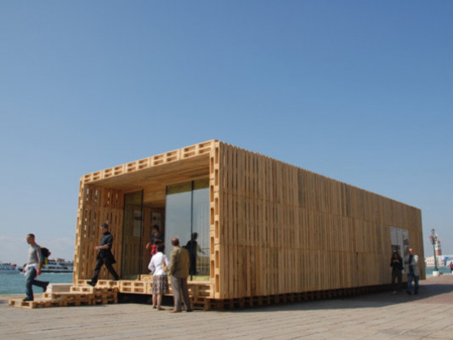 Efficient & Affordable Wood House Made From Shipping Pallets ...