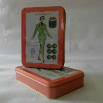 Sewing Kit -tin