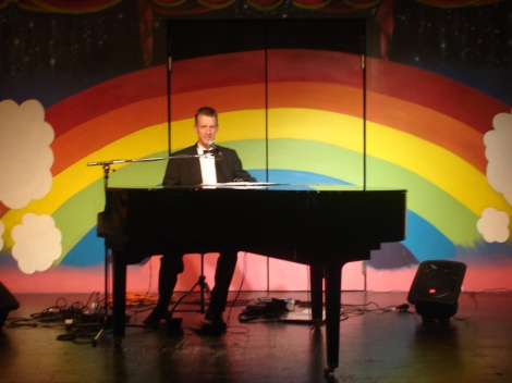 5:08 PERFORMING WITH MY PORTABLE  GRAND PIANO PGP1 AT RAINBOWS END, MANUKAU, AUCKLAND