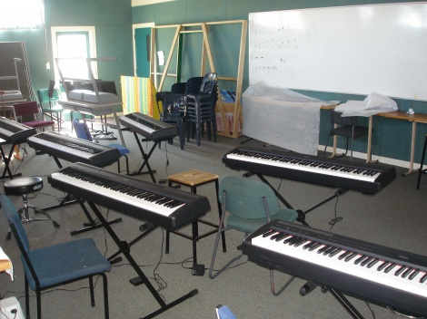 3:2 GLENFIELD MUSIC CENTRE, YAMAHA DIGITAL PIANOS (x6) INSTALLATION