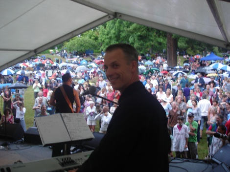 5:10 DT PERFORMING WITH BILLY TK JNR BAND NELSON JAZZ & BLUES FESTIVAL