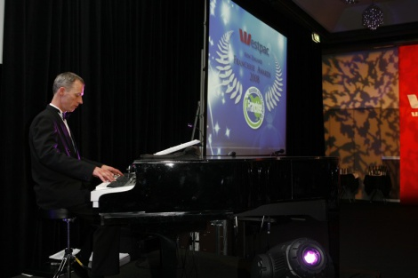 5:08 DT PIANIST ENTERTAINER AT THE WESTPAC FRANCHISE ASSOCIATION OF NZ AWARDS (FANZ)