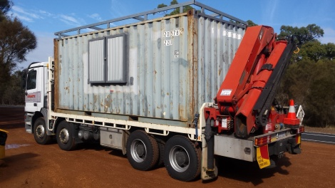 Sea container on the move