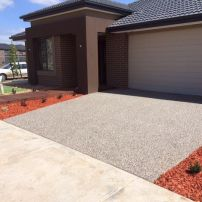 70% cream 30% bluestone black pebbles grey base