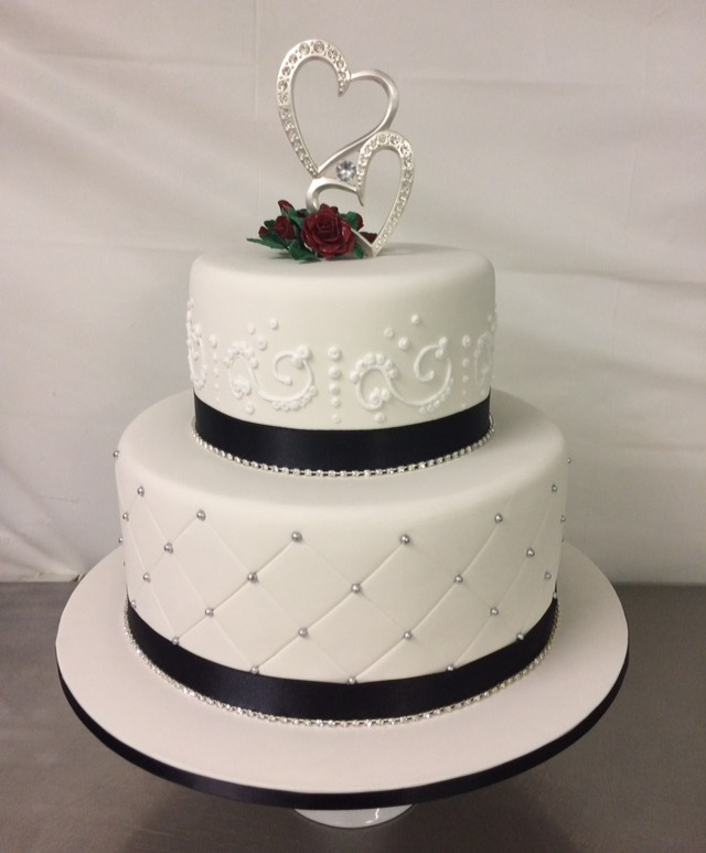 2 tier wedding cake 2 tier wedding cake s heavenly cakes 10146